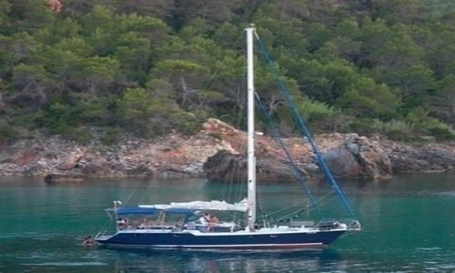 Alquile un velero en Simbad Cruceros