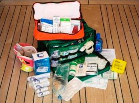 Botiquín de primeros auxilios en alta mar