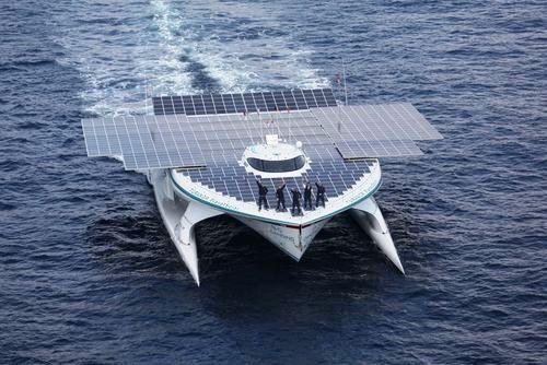 Catamarán solar logra dar la vuelta al mundo sin contaminarlo