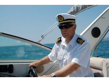 ¿Cómo obtener una licencia para navegar?