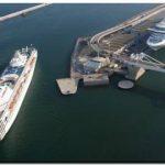 Un incendio ha destruido cuatro yates en el Puerto de Barcelona