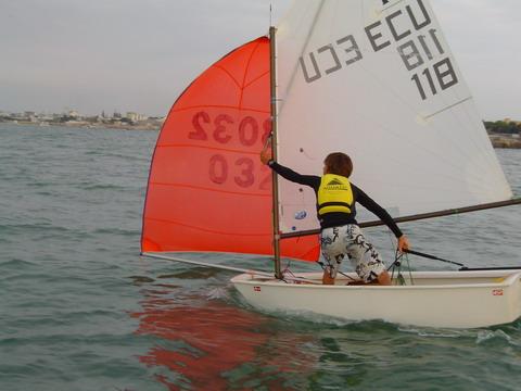 Todo acerca de los veleros optimist barcos yates y veleros for Todo sobre barcos
